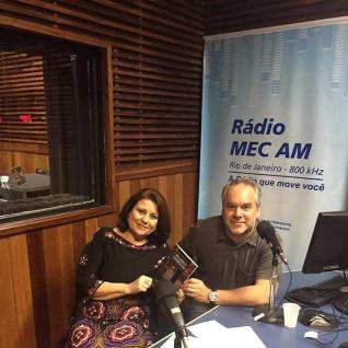 """Lançamento do livro """"Reflexões e Experiências entre Quatro Paredes"""" na Rádio MEC AM"""